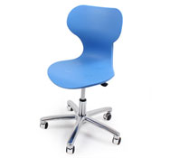Easy chair adjustable in height Easy MooVE size 5/6 with chroming casters in blue colour.