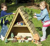 Casa encantada de madera aire libre