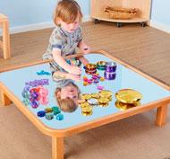 Mesa baja creativa con espejo para niños pequeños
