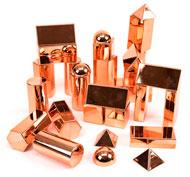 Colección de formas 3d metálicas de oro rosa pack de 32 piezas